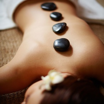 Hot Stone Massage ★